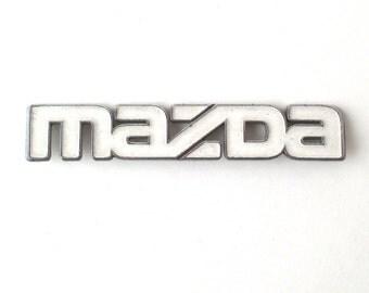Chrome MAZDA Emblem, car nameplate, white, automobile