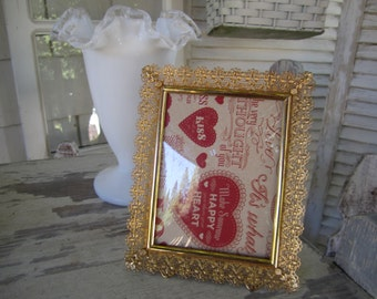 Ultra Filigree Bright Gold Frame 3 by 4 opening domed glass Photo Frame