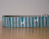 Buckle Dog Collar, Joon, blue feathers, size medium, turquoise, grey