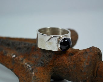 Sapphire and Sterling Silver Solitaire Ring - Sapphire Ring - Blue Sapphire Ring - Boho Ring