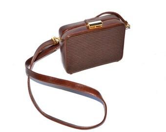 Vintage 90s  doctor Handbag  Purse boxy bag  travel cosmetic cell phone key holder summer vegan crossbody doctor