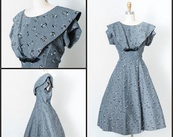 1950s Dress / 50 Gray Swing Dress with Velvet Embellishments