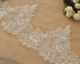 Alecnon Lace Trim in Eyelash Pattern in Ivory, Exquisite Bridal Veil Wedding Lace Scallop Embroidered Eyelash Floral Trim Lace