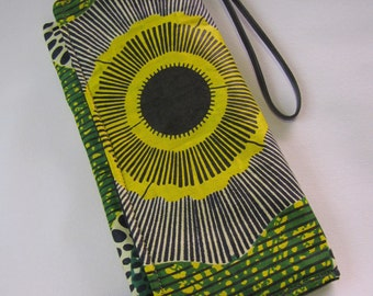 Green and Yellow Flower Clutch