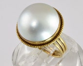 Vintage 14kt Gold Mabe Pearl Ring - Pearl Cocktail Ring - 1980s Statement Ring - 14 Karat Yellow Gold Size 7 Woman's Ring