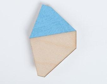 nice minerals brooch blue