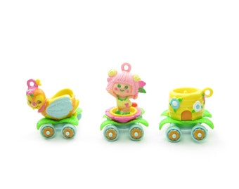 Charmkins Sweet Bea with Honey Bee Train Charms - Broken Links