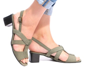 Strappy Sandals 70s Vintage Chunky Block Heel Moss Green Suede Real Leather CROSS STRAP Square Toe Italian Shoes Summer Us 7.5, Eur 38, Uk 5