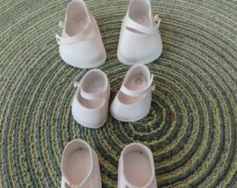 B011)  Vintage Doll Shoes 3 white pair