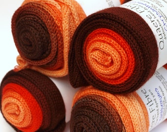 Hand Dyed Fingering/Sock Yarn, Gradient, Ombre, Superwash Merino / Nylon, chrysanthemum