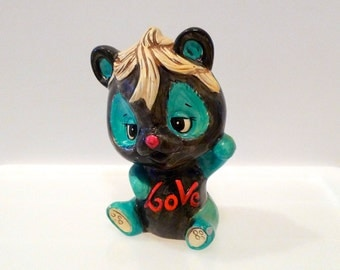 Love Bank Vintage Bear Ceramic Chalkware Sculpture Plaster of Paris Novelty Kitsch Oddity Weird Big Eye 1970s 971 Japan