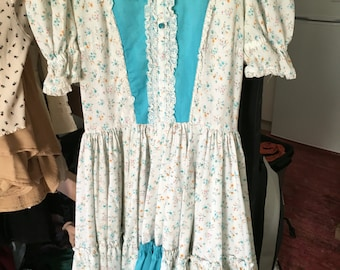 Cotton and Lace Country Dress