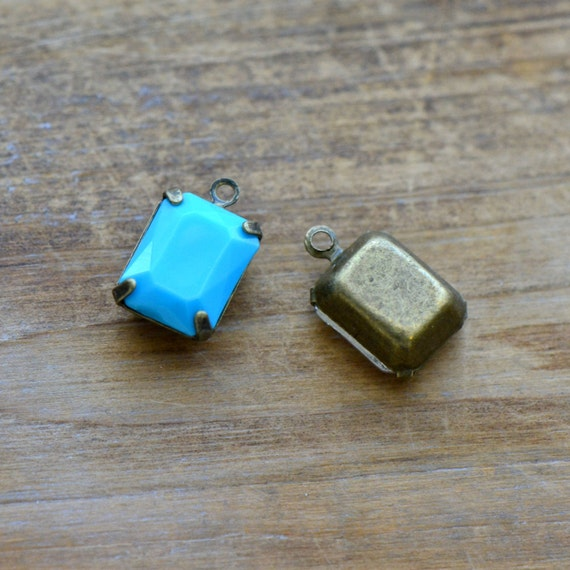 4 - Small Rectangle Jewel Charms TURQUOISE BLUE Drop Gem Rectangle 8x10mm Brass Claw Setting Charm or Link Gold Antique Bronze Silver(AW046)