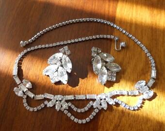 Vintage rhinestone demi parure choker and earrings..   Bridal jewelry.  Ladies jewelry.