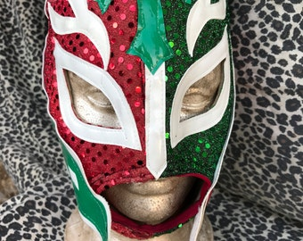 Vintage Mexican Lucha Libre Wrestling Mask Costume. Red and Green with Sequin Embellishment. Average Unisex Adult