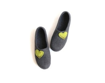 Autumn SALE Women house shoes - charcoal grey felted wool slippers with green hearts - Weddings gift - made to order