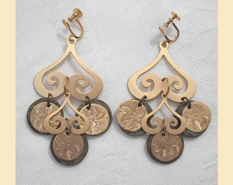 Vintage 1980s earrings from 'Liberty' with matt gold coloured swirls and mottled olive green discs, dangle earrings, screw-back fittings