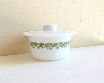 Excellent Small Pyrex White with Green Spring Flowers Dish with Lid Floral