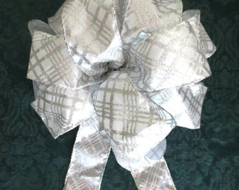 Christmas Bow / Silver Bow / Tree Topper Bow