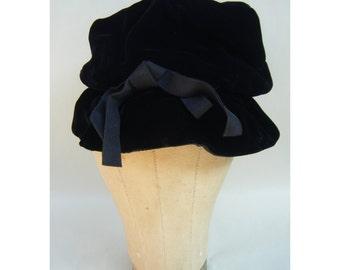 Vintage Black Velvet 50's Cloche Soft Hat Fashion Elegant Slouch