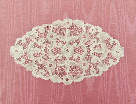 C.1920's bobbin lace doily, hand made Bloemwerk lace doily, oval ecru doily