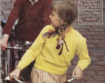 Patons Childrens Knitting Book No 7 Vintage 1970's - Patons Classic Series -  Pullover with set in sleeves