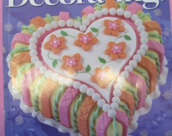 Diy 2005 Wilton Yearbook Cake decorating back issue magazine  used fair condition