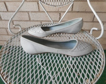Vintage Light Grey Woven Leather Wedge Flats 9 West Size 7 EU 37