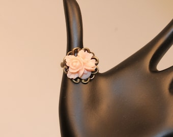 Rose Cabochon Flower Adjustable Ring in Peach
