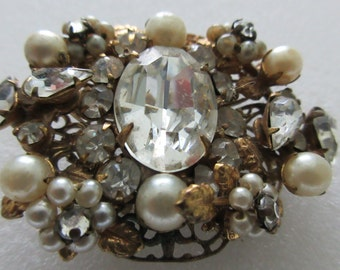 Vintage ~ MIRIAM HASKELL(?) ~ Large BROOCH ~ Gold Tone with Rhinestones and Faux Pearls ~ Must See