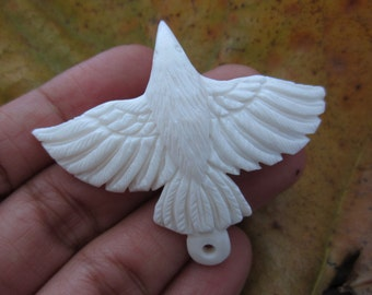 New ARRIVAL Large Amazing Detail White Raven buffalo bone Carving,  Pendant Beads, Jewelry making Supplies S5841
