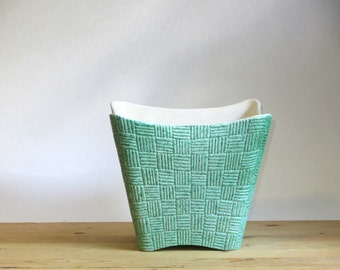 Shawnee Mint Green Vase Elegance Art Pottery Basket Weave Atomic Pot Planter Mid Century Sorcery in Ceramics