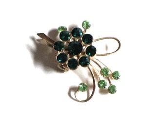 Vintage Emerald Green and Gold Flower Brooch Peridot Green Accents Mid Century Collar Lapel Pin