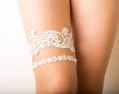 Bridal ivory lace garter set, floral bridal garter, wedding garter set