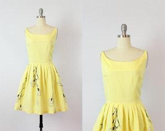 vintage 50s dress / 1950s floral cotton dress / yellow sundress / fit and flare floral dress / flower print dress / Little Light dress