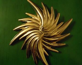 Vintage 1980s Boho Chic Gold Star Burst Pendant