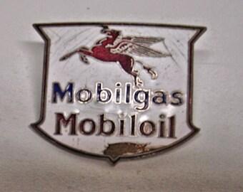 Vintage Mobilgas Mobiloil Station Attendant Driver Hat Badge Pin 1950s Mobilgas