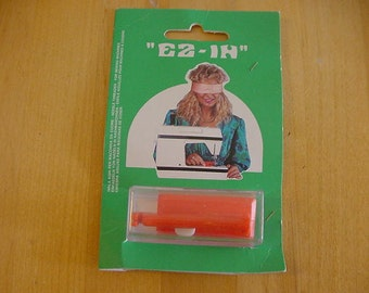 VINTAGE EZ IN Needle Threader for Sewing Machines, F. Martinelli, Made in Italy, Orig. Package