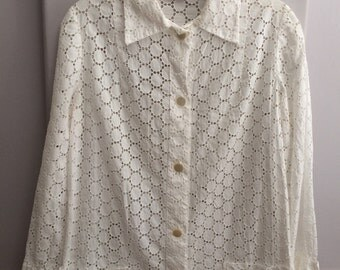 1970's Cotton Eyelet Blouse / 70's Cotton Eyelet Beach Cover-up Top / Resort Wear / Beach, Pool Attire