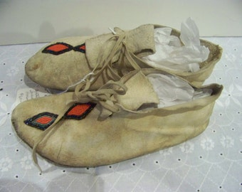 Indain Moccasins adult used leather bead decor