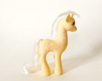 Vintage My Little Pony Friend Creamsicle, G1 Giraffe by Hasbro Toys