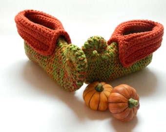pumpkin slippers, Halloween slippers, Thanksgiving slippers, elf slippers, pixie slippers, curly toe slippers, winter fashion, UK shop