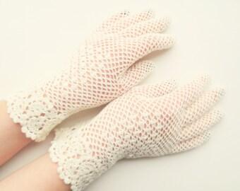Bridal ivory irish lace gloves,crochet jewelry,elegant evening gloves,romantic wedding gloves,victorian style summer glove,gift idea for her