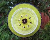 Glass plate flower garden art - Fence  Decor - Hand painted Garden Art and garden suncatcher, Glass Suncatchers - Outdoor Decorations