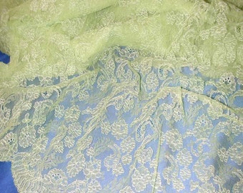 """No. 300 Lime Green French Chantilly Lace, Single Scallop; 33"""" x 3 yards 17"""","""