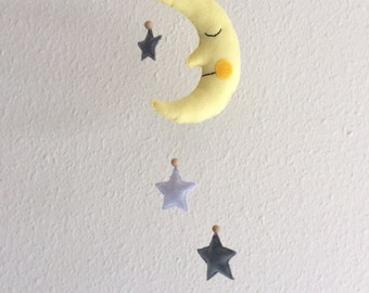 Moon and the stars - Nursery mobile - Baby showergift - Felt mobile