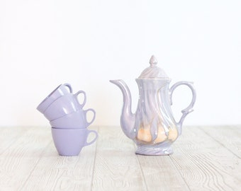 Lusterware Violet Teapot with Melmac Cups