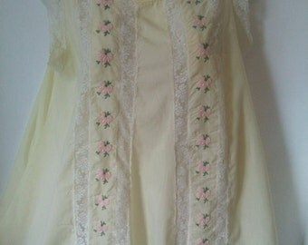 Vintage sixties pale yellow lace babydoll nightie