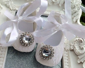 Baby Crib Shoes, White, Lace, Rhinestone,Sparkly, Baby Shoes, Baptism Shoes, Wedding, Christening Shoes, Fancy Shoes, Soft Shoes, Vintage
