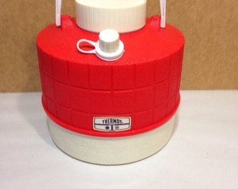 Vintage 1970s Thermos Brand Red white water cooler jug insulated 1 gallon